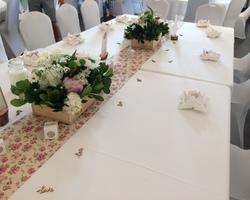+ qu'un jardin... – Sète - DÉCORATION FLORALE POUR UN MARIAGE À Magalas (centre de table)