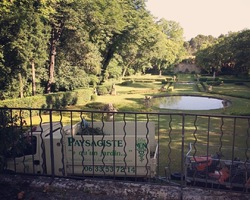 + qu'un jardin... – Sète - Contrat d'entretien du parc du Château de l'Engarran à Lavérune
